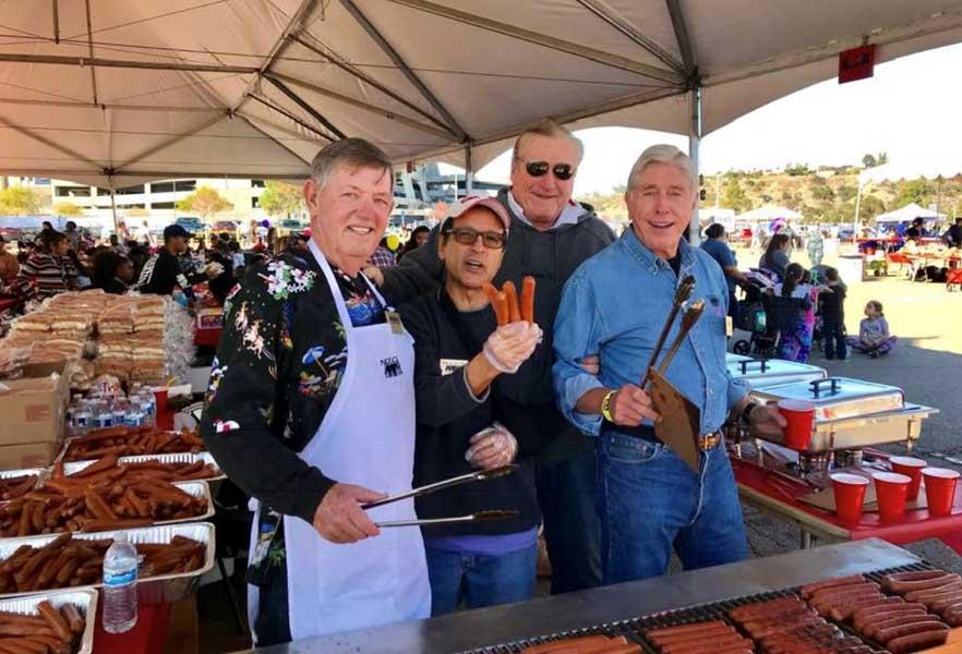 Nice Guys hotdog volunteers